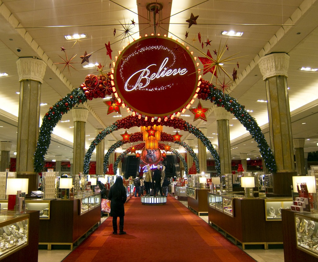 These stores are open 24 hours for Christmas shopping 61