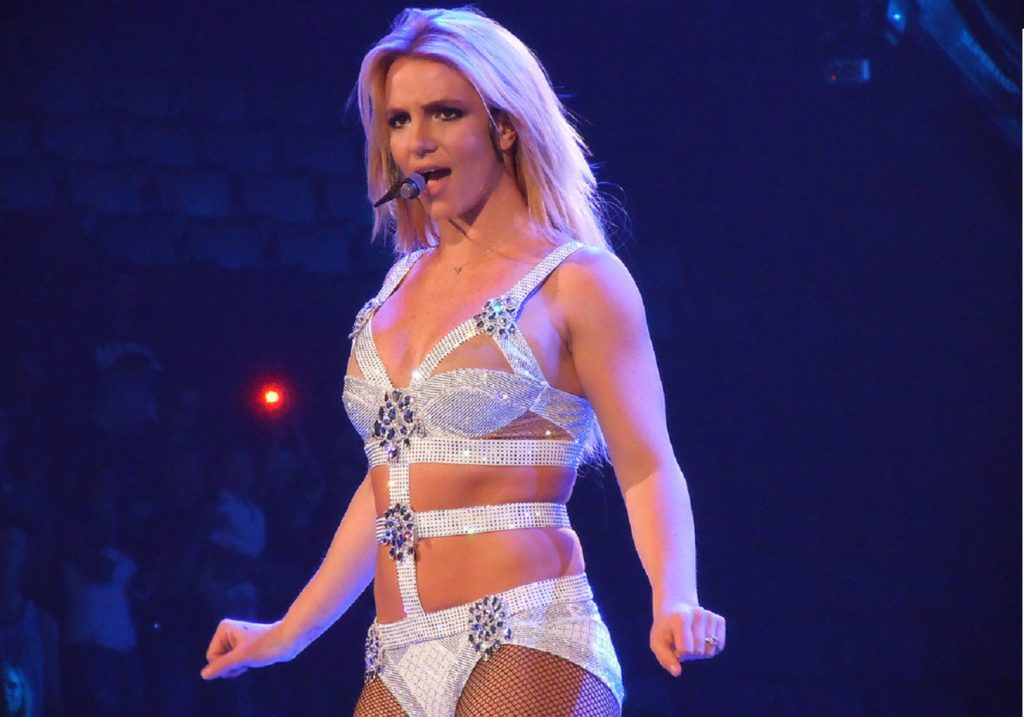 Britney Spears burns gym